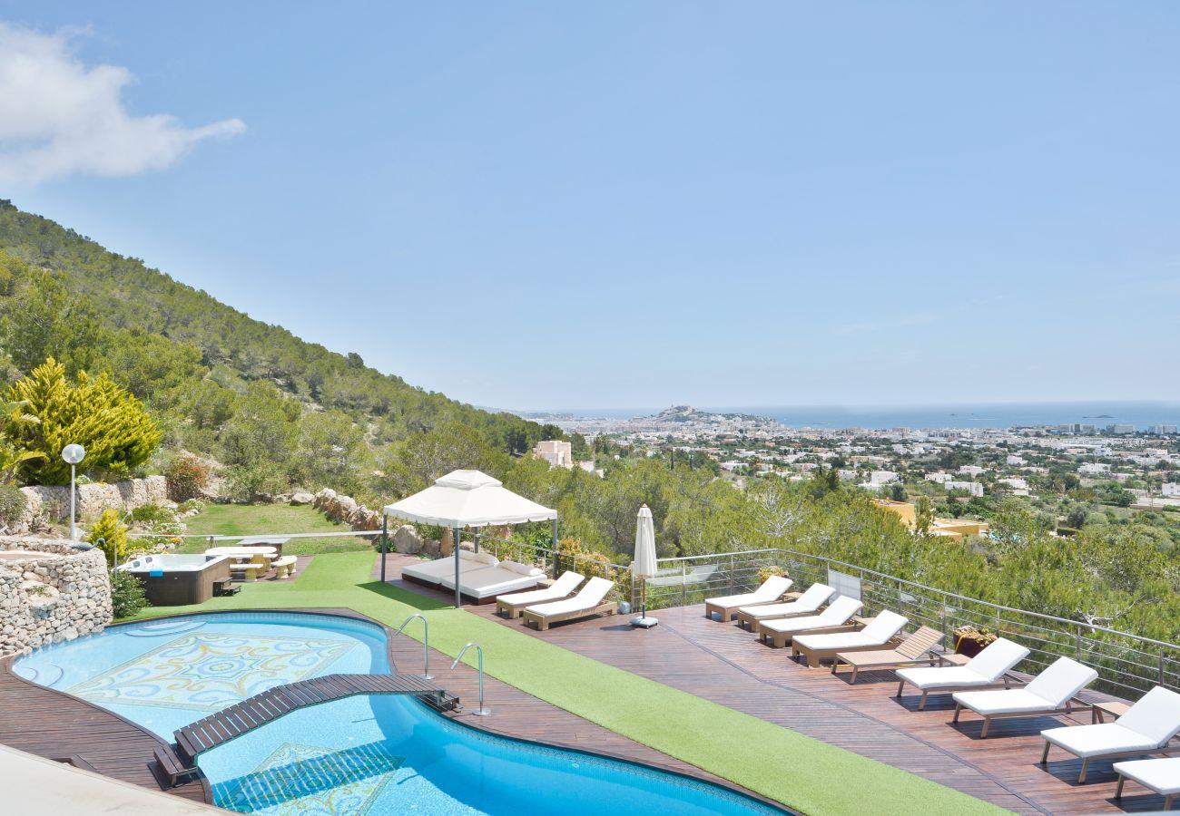 Villa en Ibiza - Villa para 12 personas en Ibiza