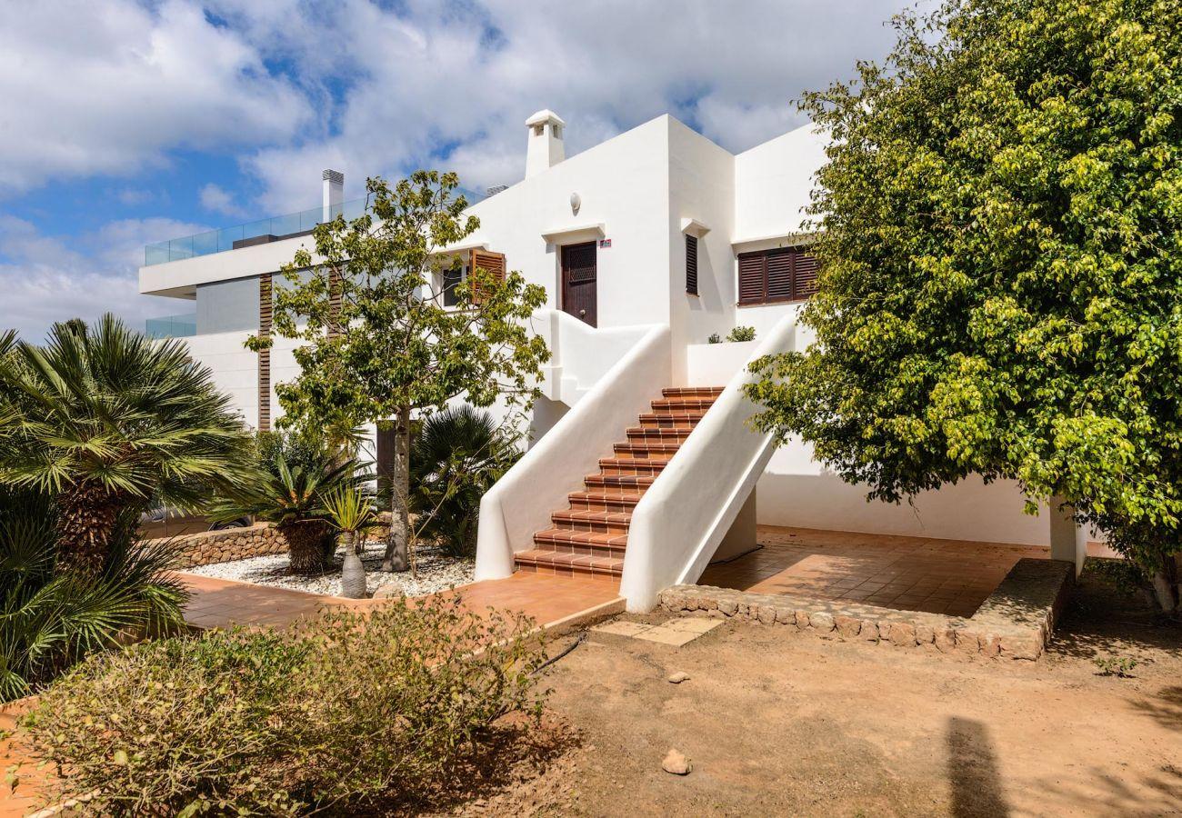 Villa en Ibiza - Villa de 4 dormitorios a1 kmde la playa