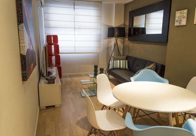 Apartamento en Madrid - M (CAS28) Coqueto Duplex Reformado