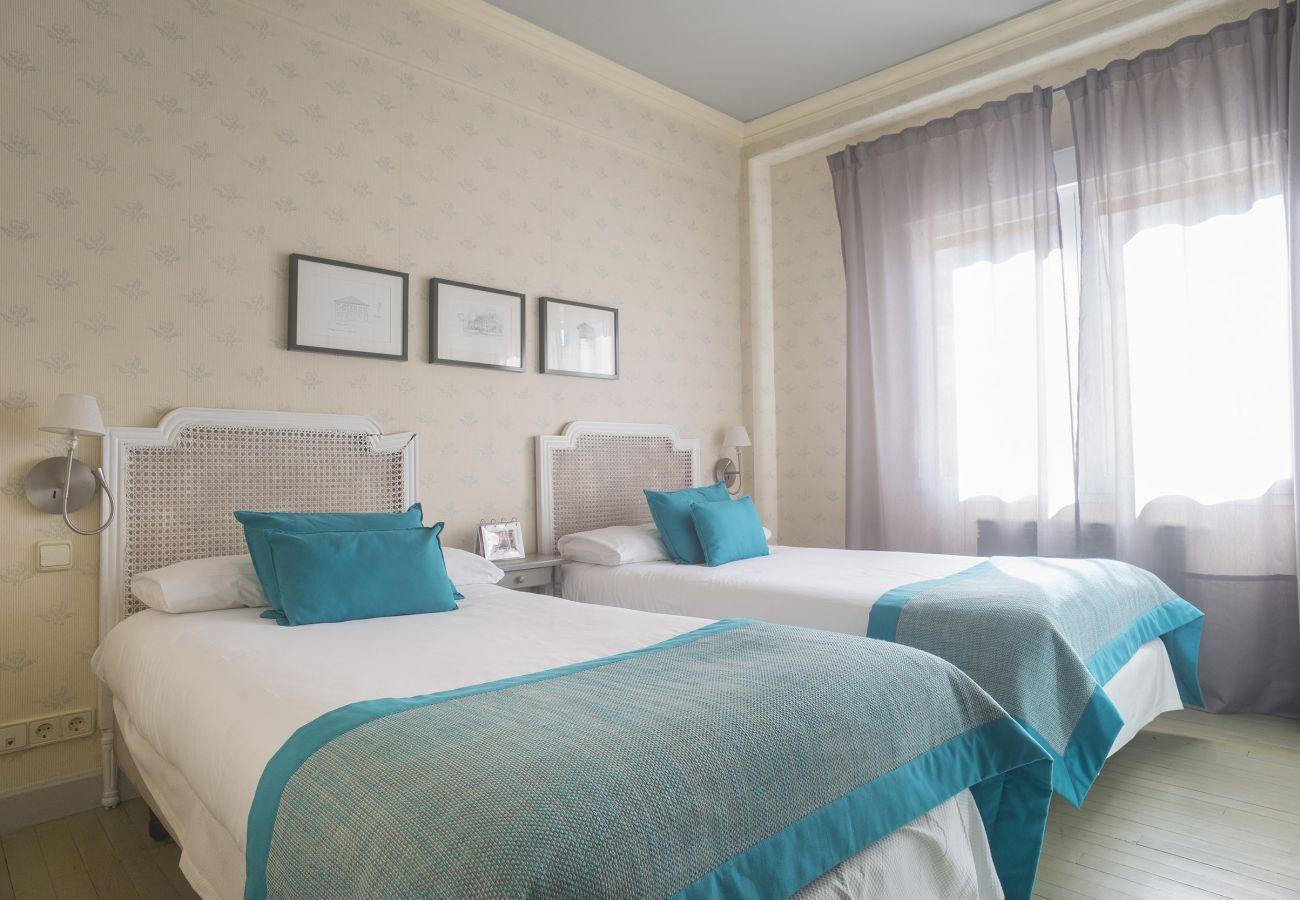 Apartamento en San Sebastián - Apartamento con aparcamiento a50 mde la playa