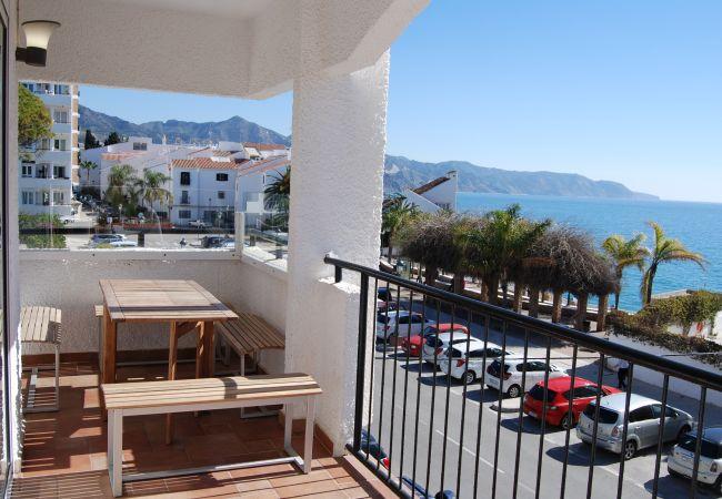 Apartamento en Nerja - Apartamento de 3 dormitorios a100 mde la playa