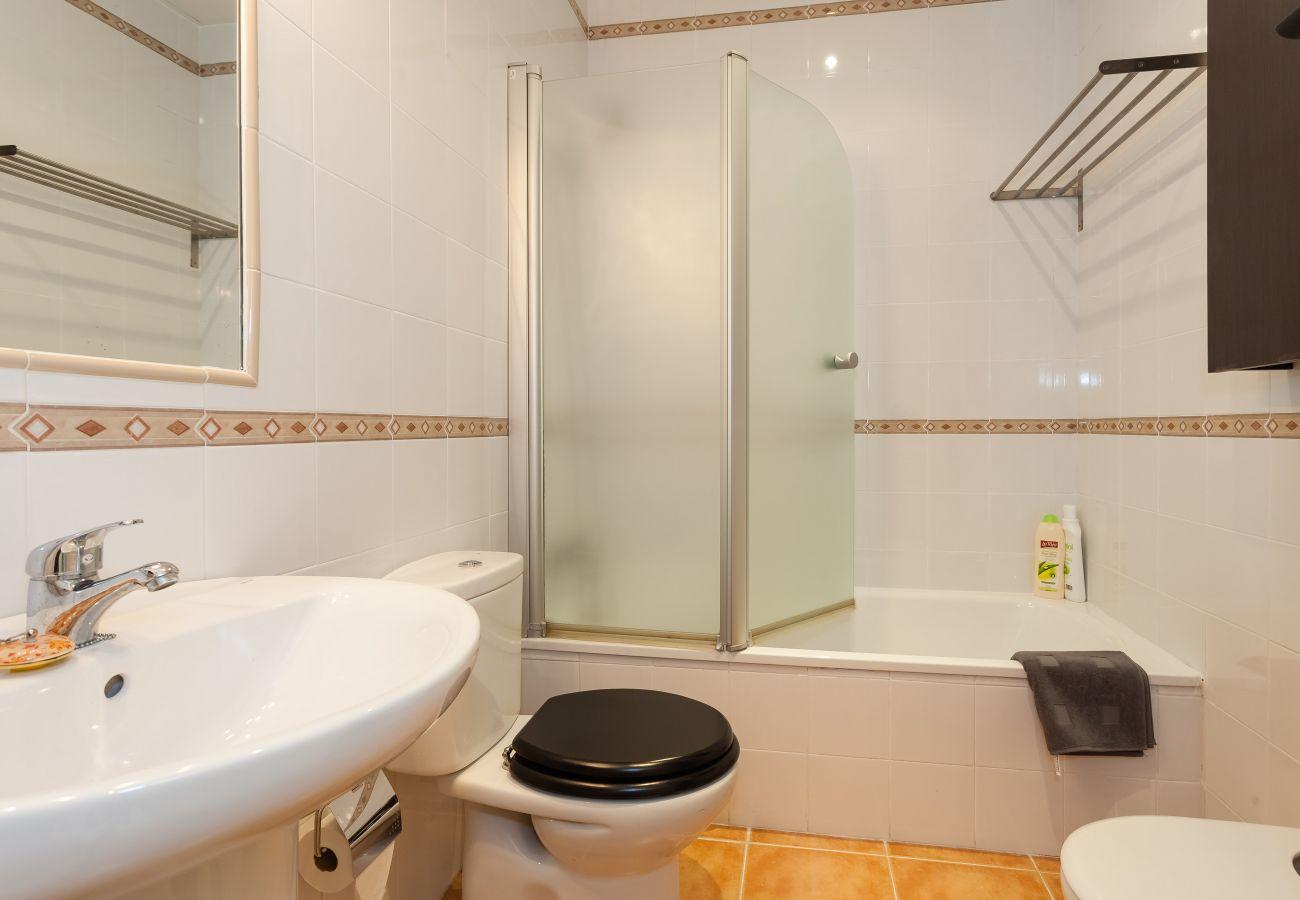 Apartamento en Cádiz - Apartamento de 2 dormitorios a500 mde la playa