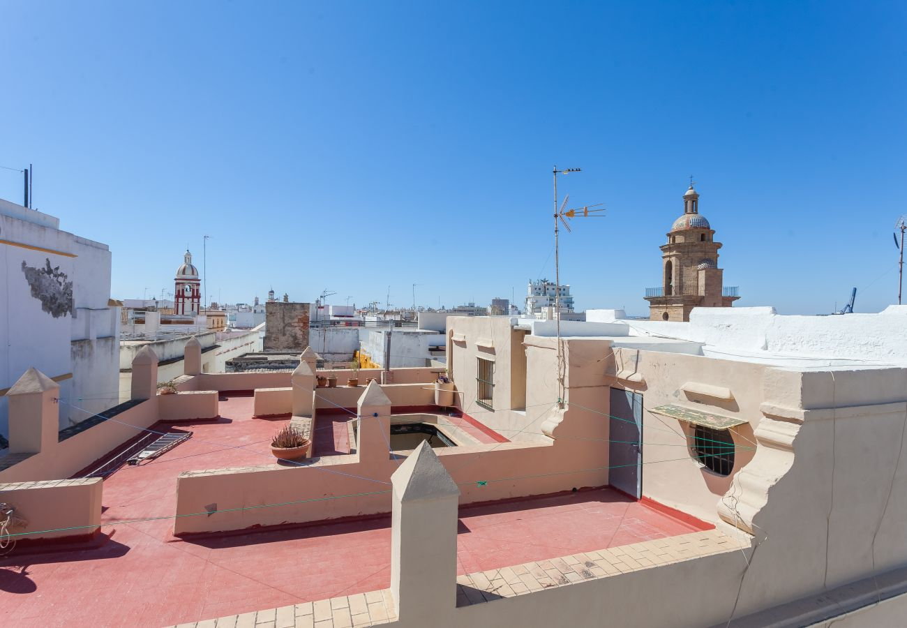 Apartamento en Cádiz - Apartamento de 2 dormitorios a700 mde la playa