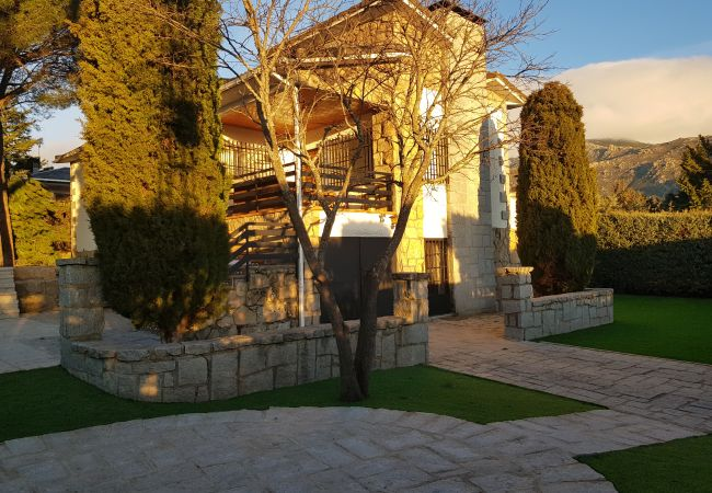 Chalet en Cerceda - Chalet Urbanización La Ponderosa - Sierra Madrid