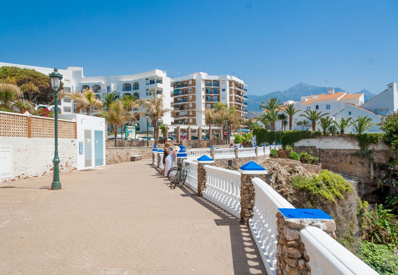 Casa en Nerja - Casa de 3 dormitorios a150 mde la playa