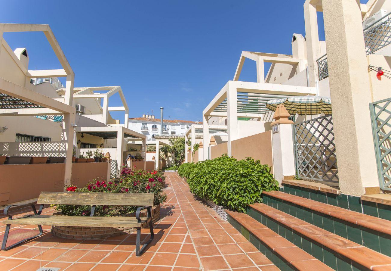 Casa en Nerja - Casa de 3 dormitorios a800 mde la playa