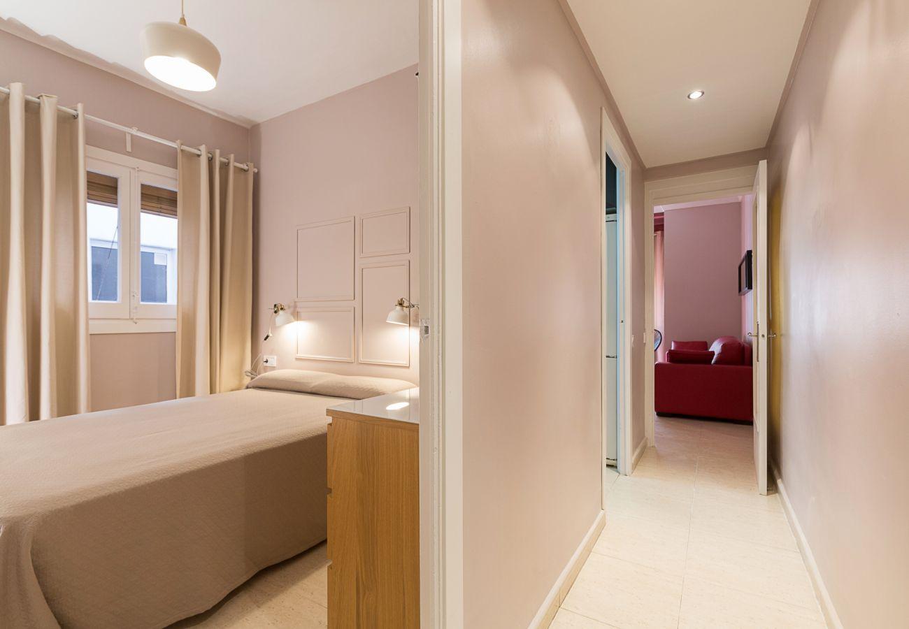 apartamento plaza españa dormitorio doble con balcon interior