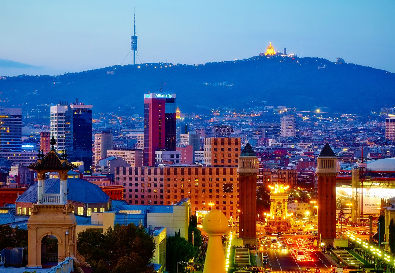 Apartamento en Barcelona - PLAZA ESPAÑA, piso en alquiler 3 dormitorios renovado en Barcelona centro.