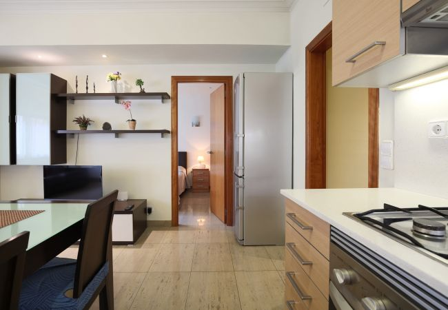 Apartamento en Barcelona - MARQUES, moderno piso renovado de 4 dormitorios en alquiler por días en Barcelona centro, Eixample, Sant Antoni.
