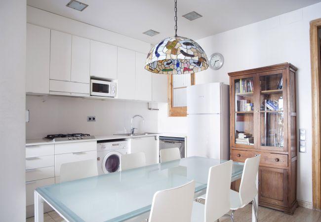 Apartamento en Barcelona - VILADOMAT, piso amplio, luminoso, tranquilo en Eixample, Barcelona centro.