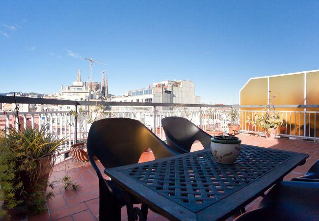 Apartamento en Barcelona - ATIC SAGRADA FAMILIA, precioso piso con gran terraza privada, luminoso y silencioso en Barcelona