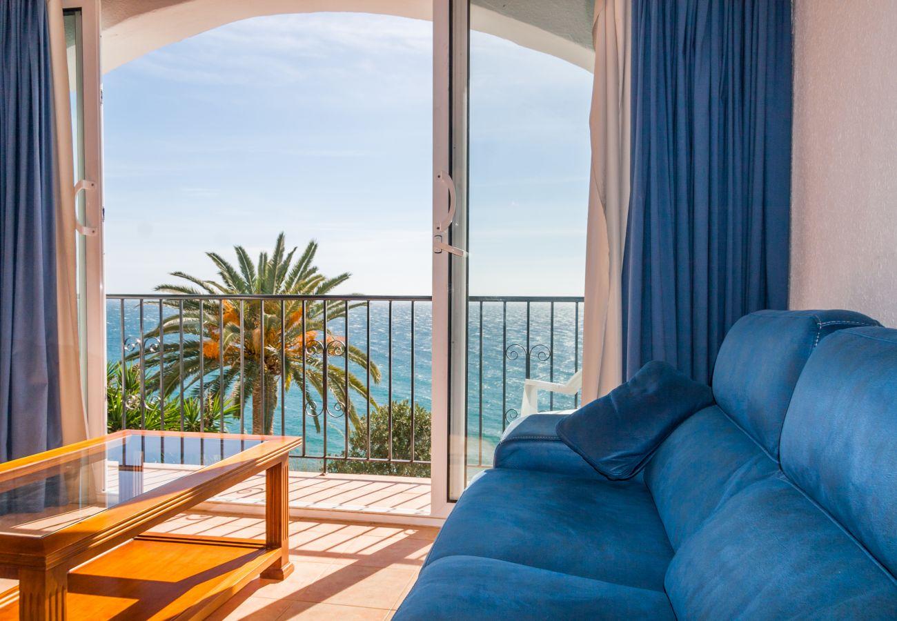 Apartamento en Nerja - Apartamento con piscina a100 mde la playa