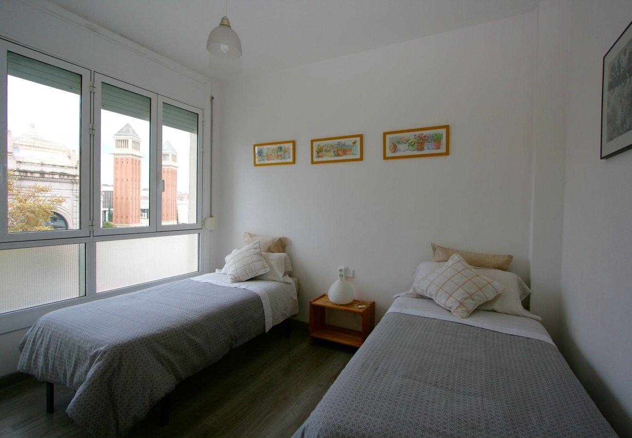 Apartamento en Barcelona - PLAZA ESPAÑA DELUXE & FIRA, piso en alquiler por días muy bonito y luminoso, vistas a Plaza España, Barcelona.