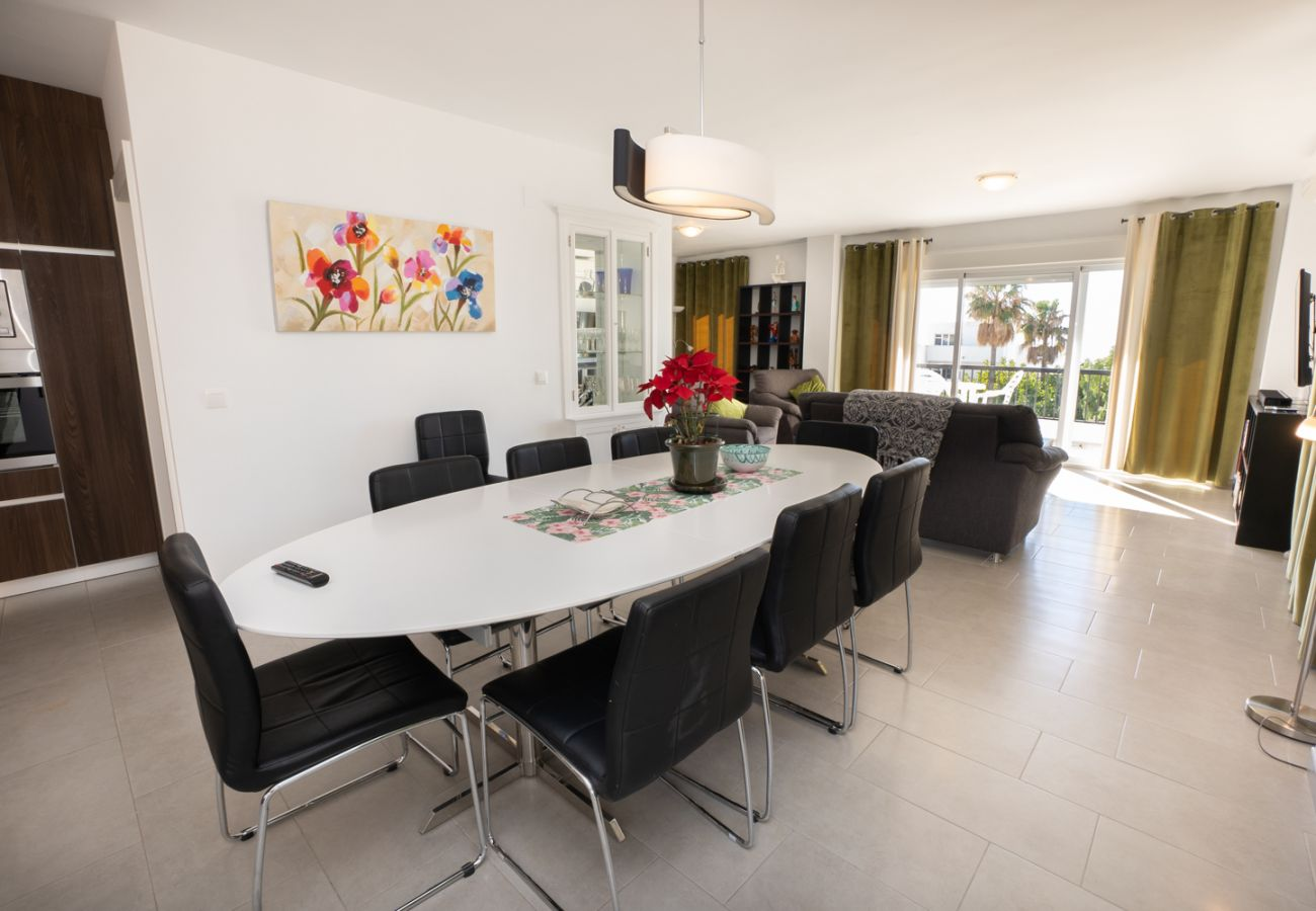 Apartamento en Nerja - Apartamento de 4 dormitorios a100 mde la playa