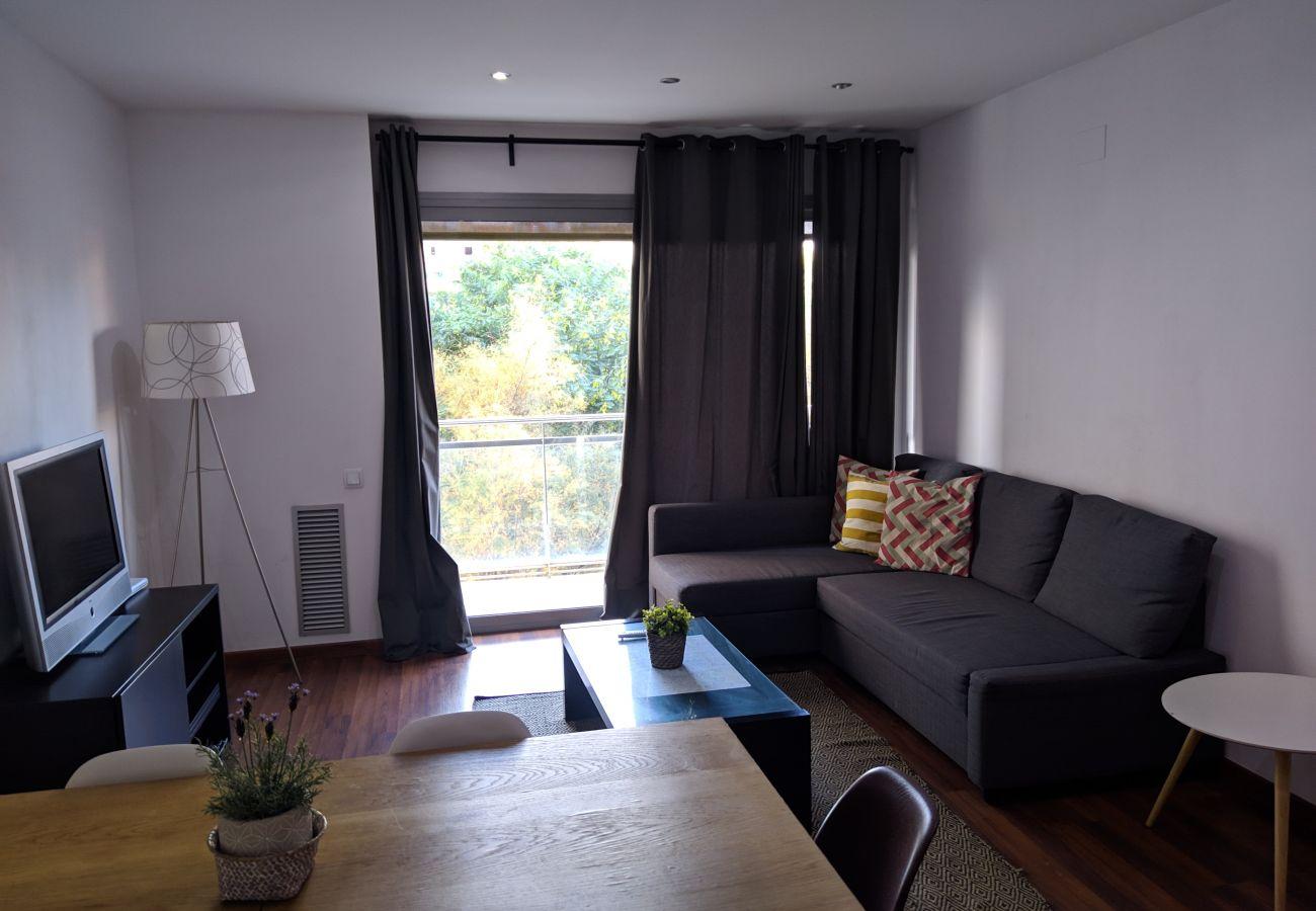 Apartamento en Hospitalet de Llobregat - LA FIRA, piso moderno, luminoso, tranquilo de 4 dormitorios en alquiler por días cerca La Fira, Hopitalet, Barcelona.