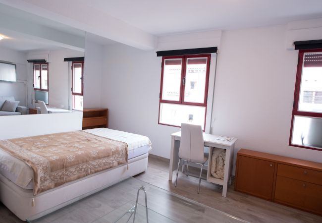 Estudio en Madrid - M (CBA30) Best Offer Rastro Madrid La Latina
