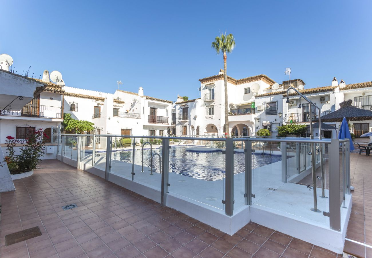 Casa en Nerja - Casa con piscina a500 mde la playa