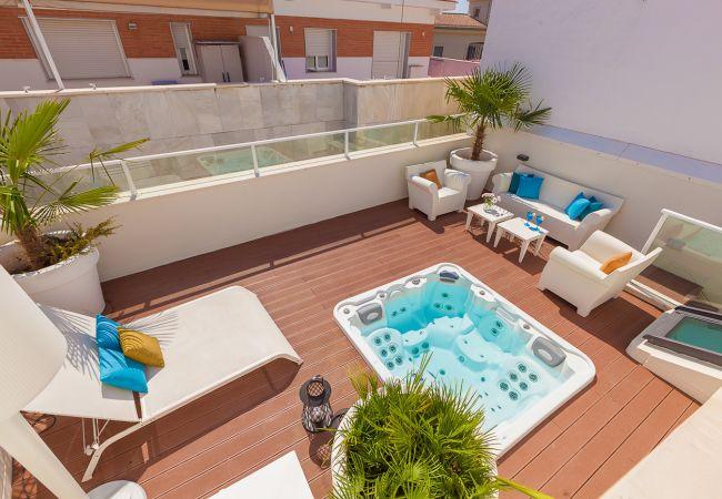 Apartamento en Málaga - iloftmalaga Premium Calle Nueva 4F, Jacuzzi y terraza privada