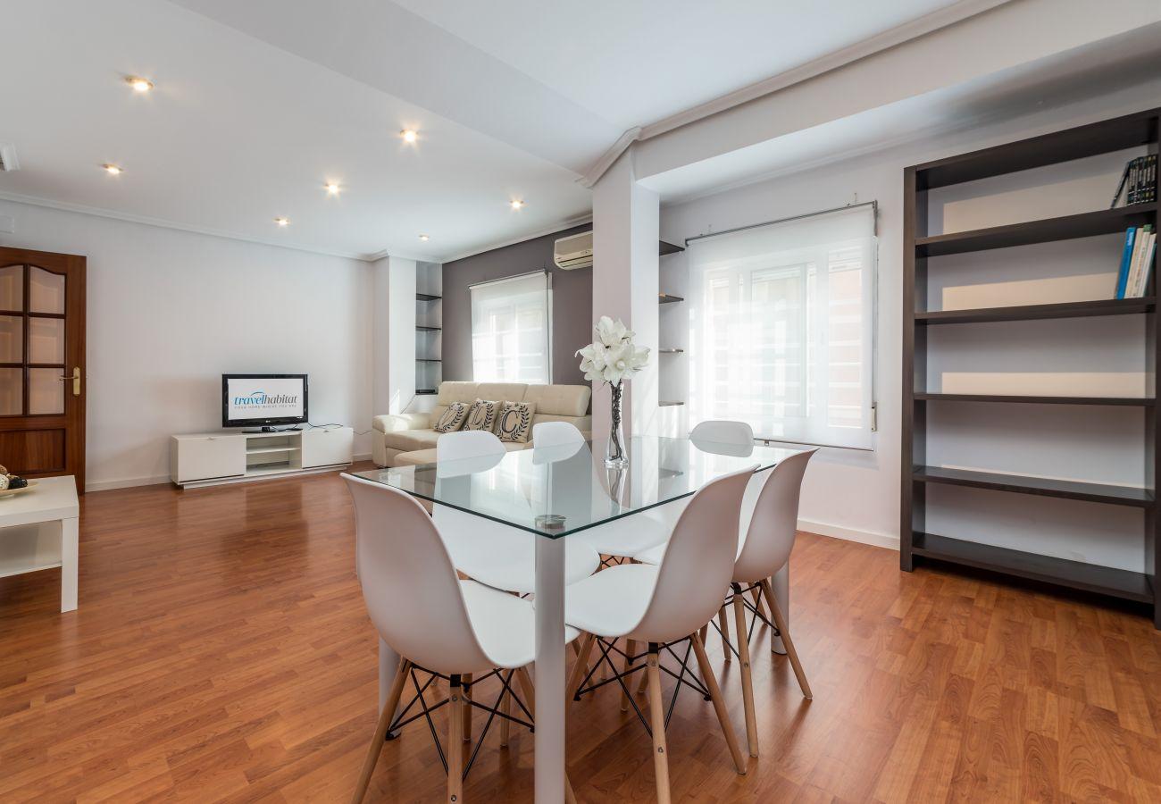 Apartamento en Valencia - Travel Habitat Mestalla