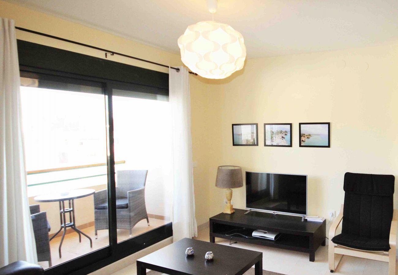 Apartamento en Nerja - Apartamento con piscina a400 mde la playa