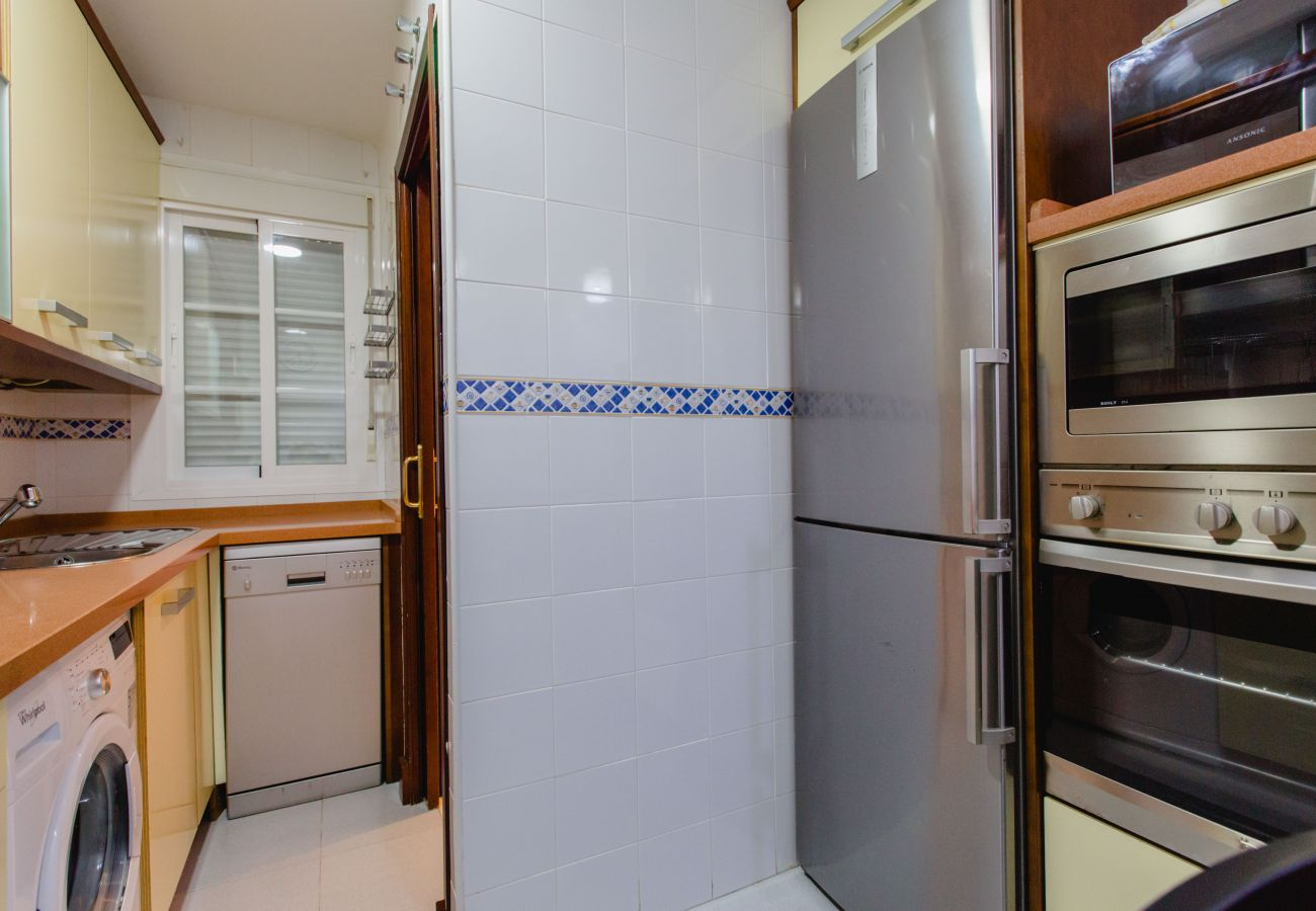 Apartamento en Cádiz - Apartamento de 3 dormitorios a500 mde la playa