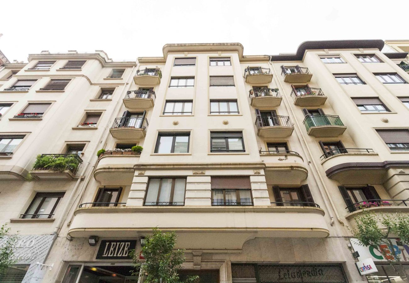 Apartamento en San Sebastián - Apartamento con aire acondicionado a300 mde la playa