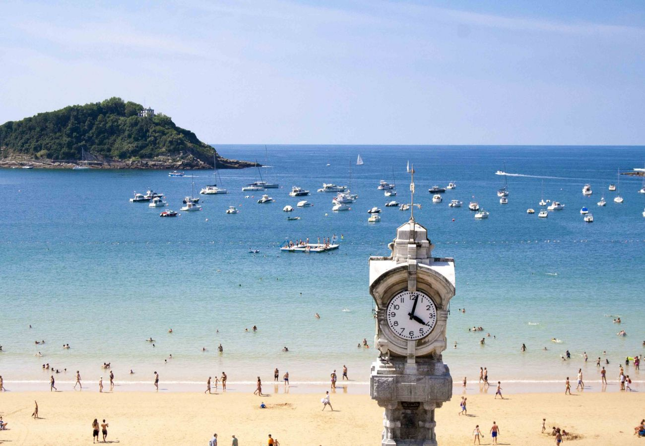 Apartamento en San Sebastián - Apartamento para 8 personas a20 mde la playa