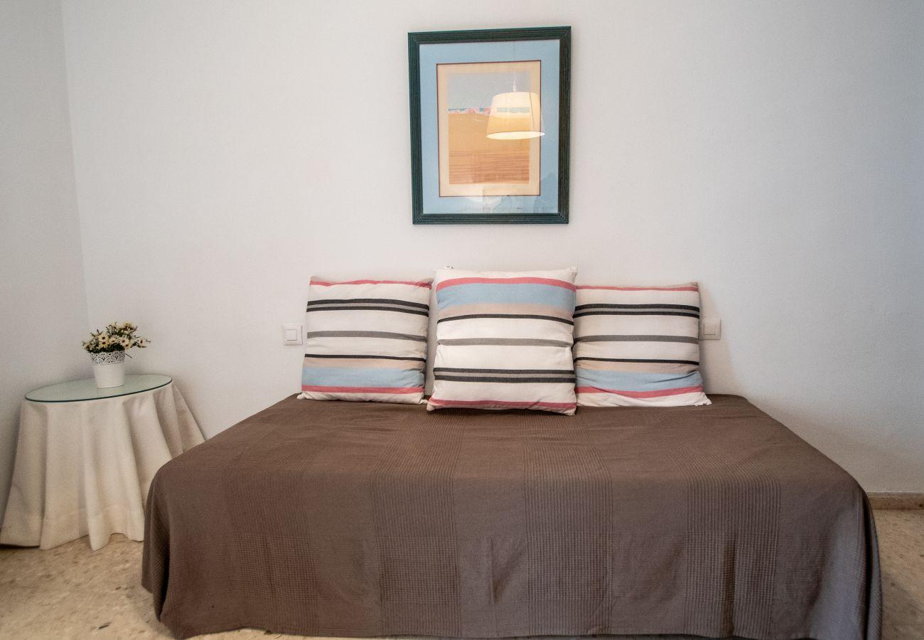Apartamento en Cádiz - Apartamento para 6 personas a10 mde la playa