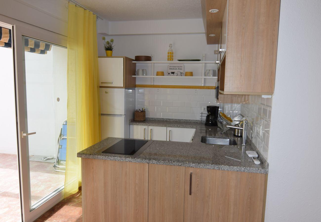 Apartamento en Nerja - Apartamento con piscina a20 mde la playa