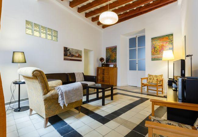 Apartamento en Cádiz - Cadiz centro historico 8P wifi by Lightbooking