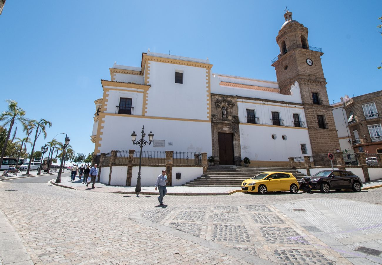 Apartamento en Cádiz - Apartamento con aire acondicionado a500 mde la playa