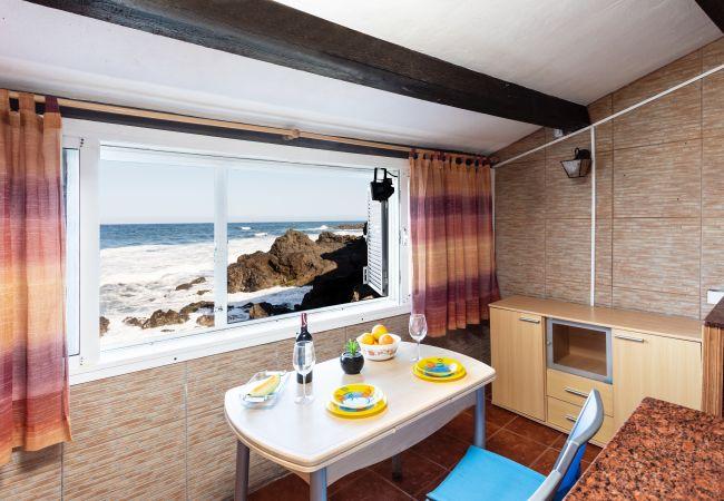 Casa en Candelaria - Casa de playa, a 5 metros del mar wifi by Lightbooking
