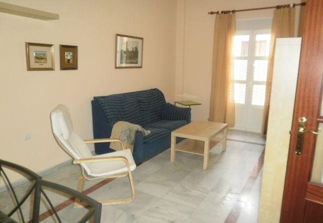 Apartamento en San Fernando - Centrico dos dormitorios wifi by Lightbooking