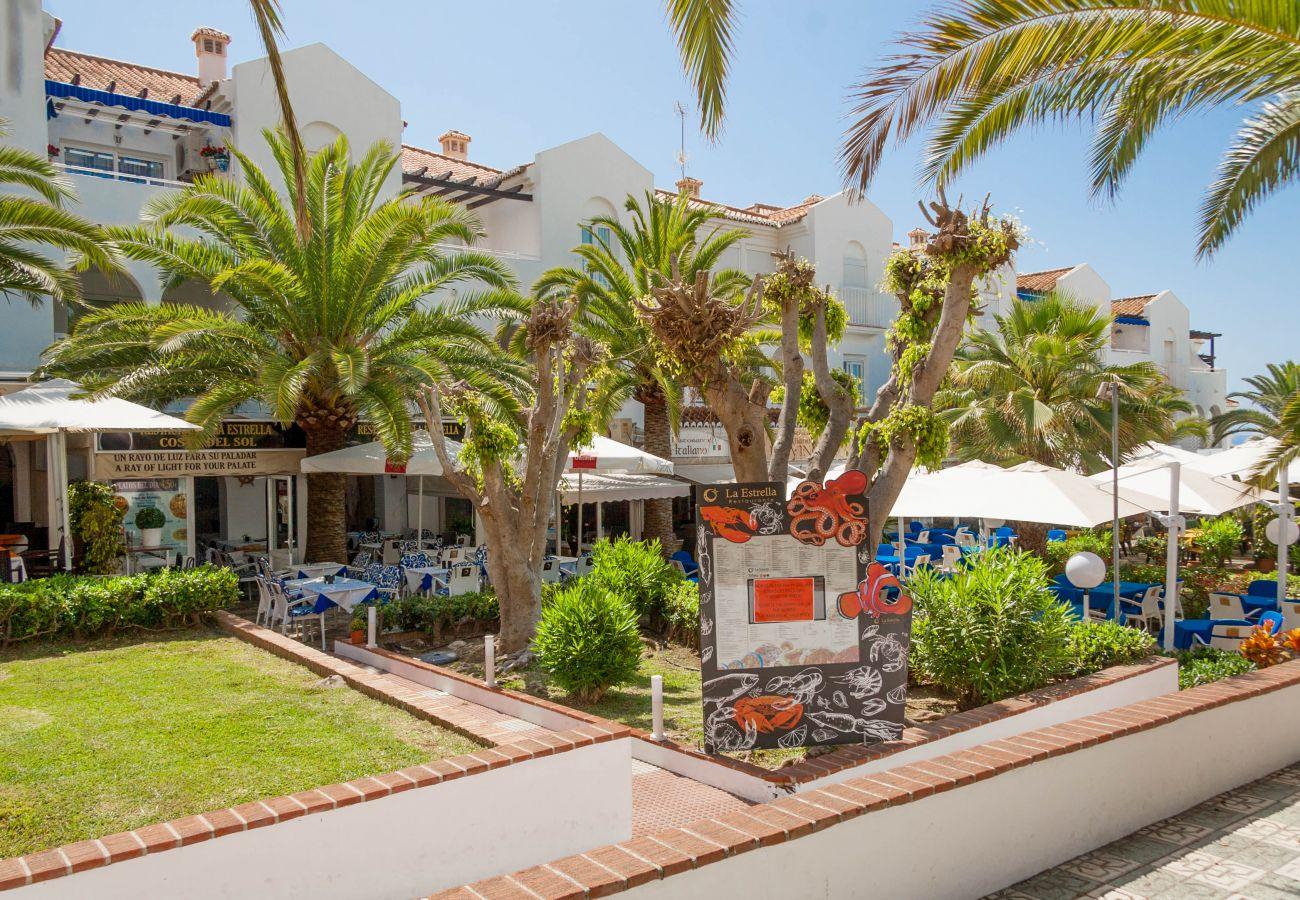 Apartamento en Nerja - Apartamento con piscina a230 mde la playa