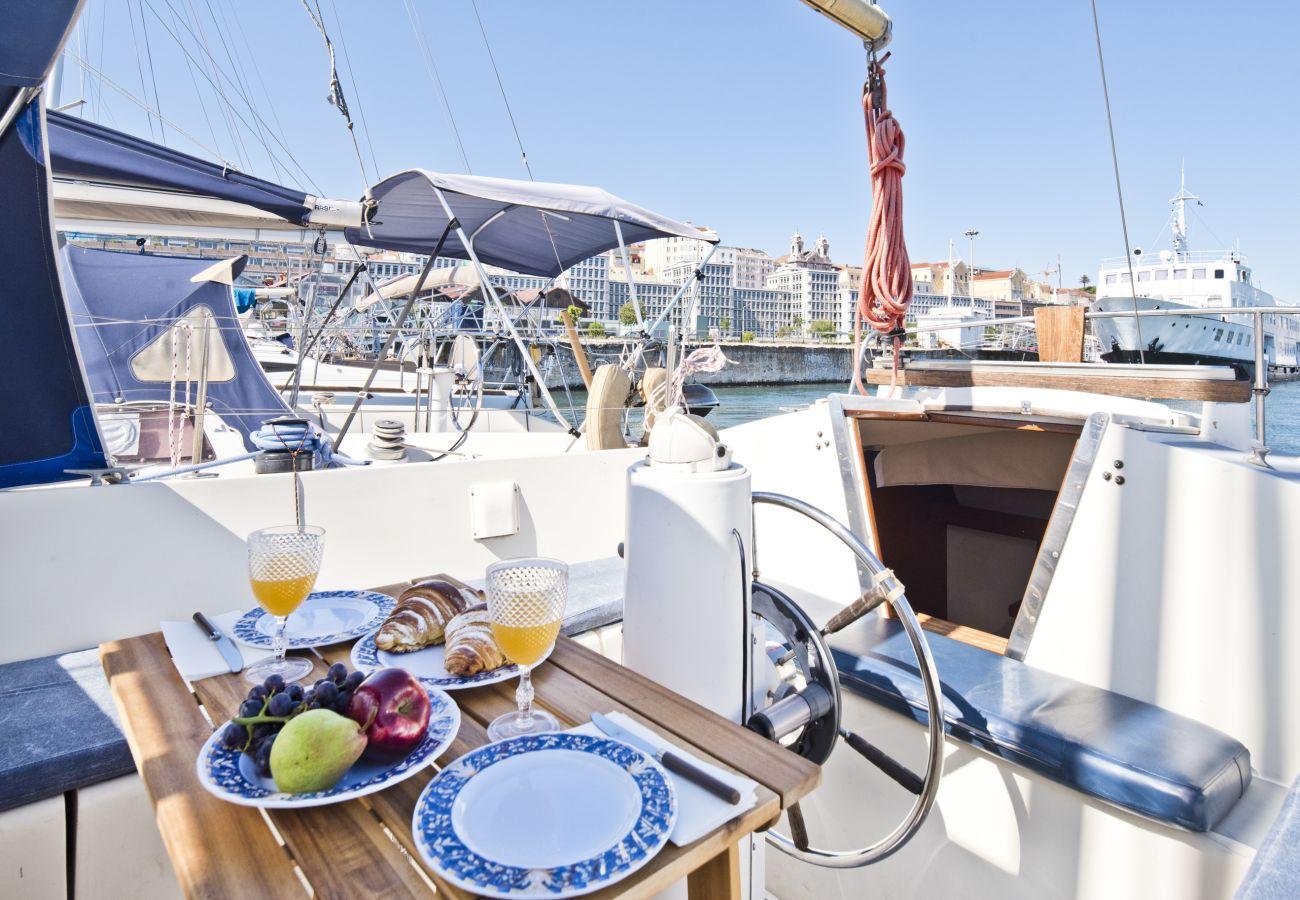 Barco en Lisboa ciudad - Barco para 4 personas en Lisboa