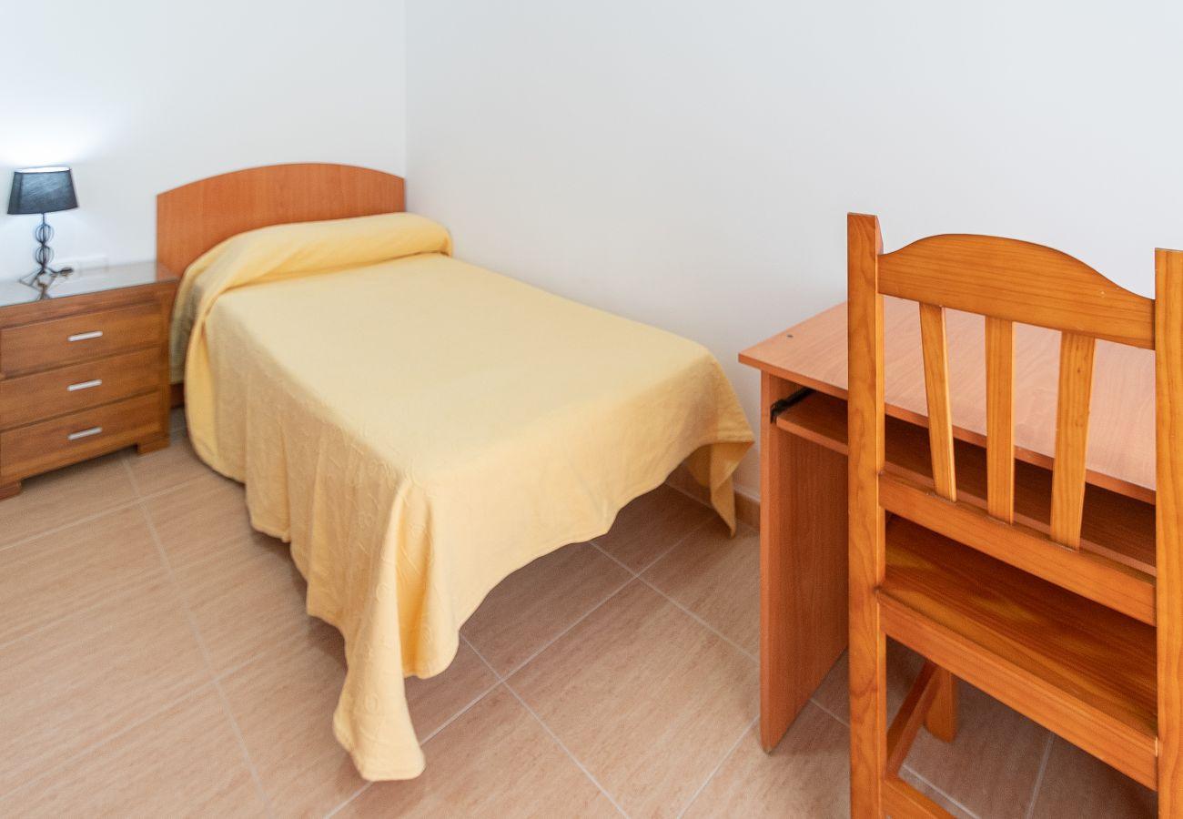 Apartamento en Cádiz - Apartamento de 4 dormitorios a500 mde la playa