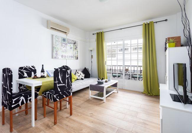 Apartamento en Playa de San Juan - Playa San Juan con balcon 7 personas wifi by Lightbooking