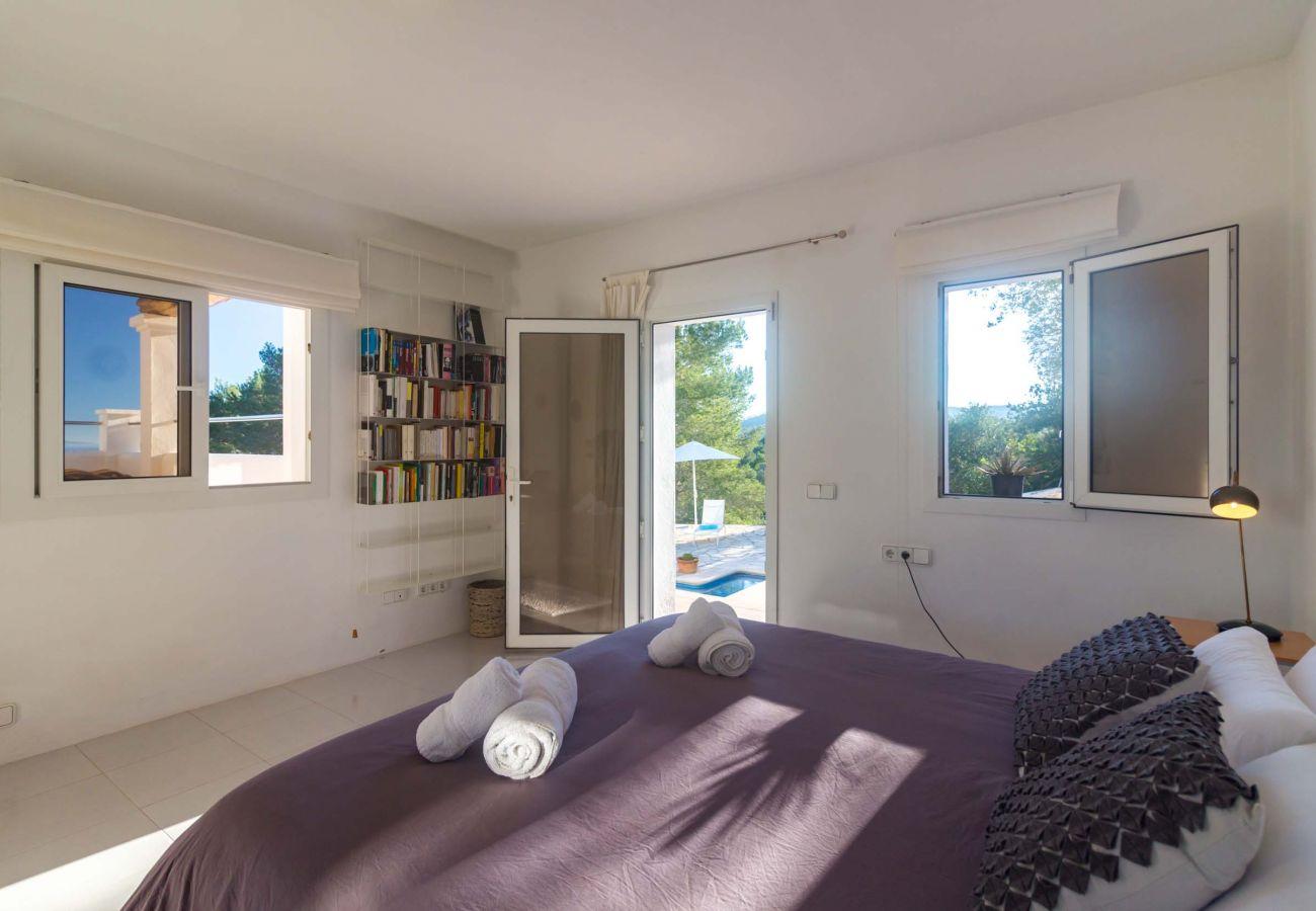Villa en Ibiza - Villa de 4 dormitorios a2 kmde la playa