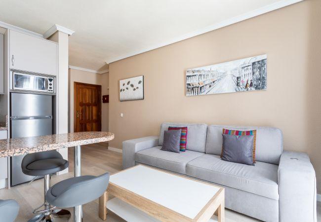 Apartamento en Costa Adeje -  Apartamento Vista mar piscina balcon wifi 4P by Lightbooking