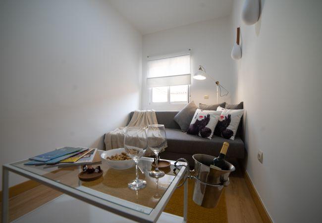 Apartamento en Madrid - Apartamento Madrid Plaza Castilla Centro M (IFM84)