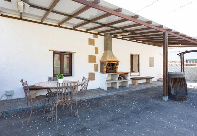 Casa en Güimar - Casa rústica con terraza y barbacoa by Lightbooking
