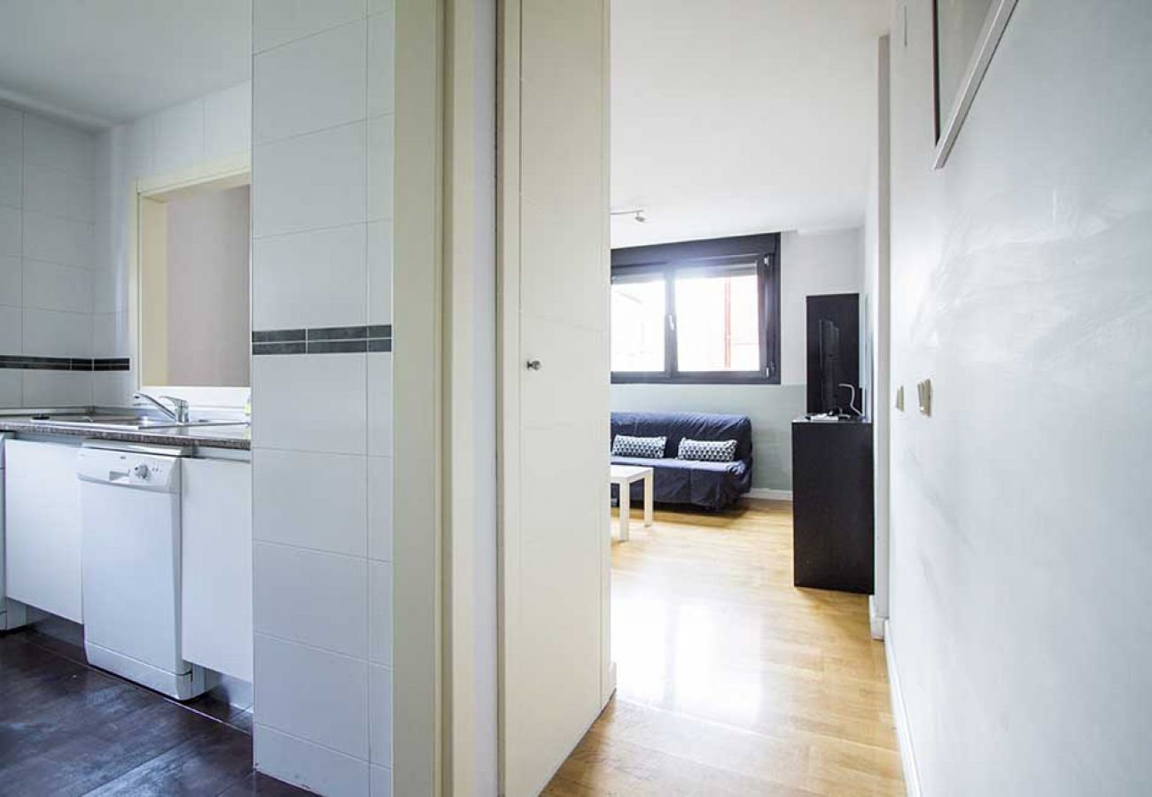Apartamento en Madrid - CUATRO TORRES 03
