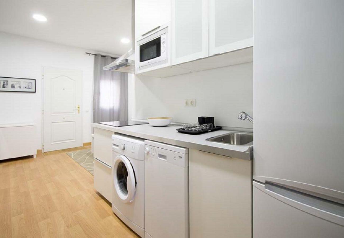 Apartamento en Madrid - APT (GPZ12/ 01) CUATRO CAMINOS 01