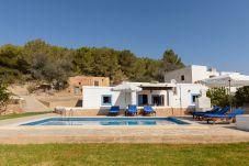Villa in Ibiza / Eivissa - PETIT, CAN Villa. Ibiza. Quiet villa...