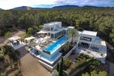Villa in Ibiza / Eivissa - SACHA Villa. Ibiza. Minimalist style...