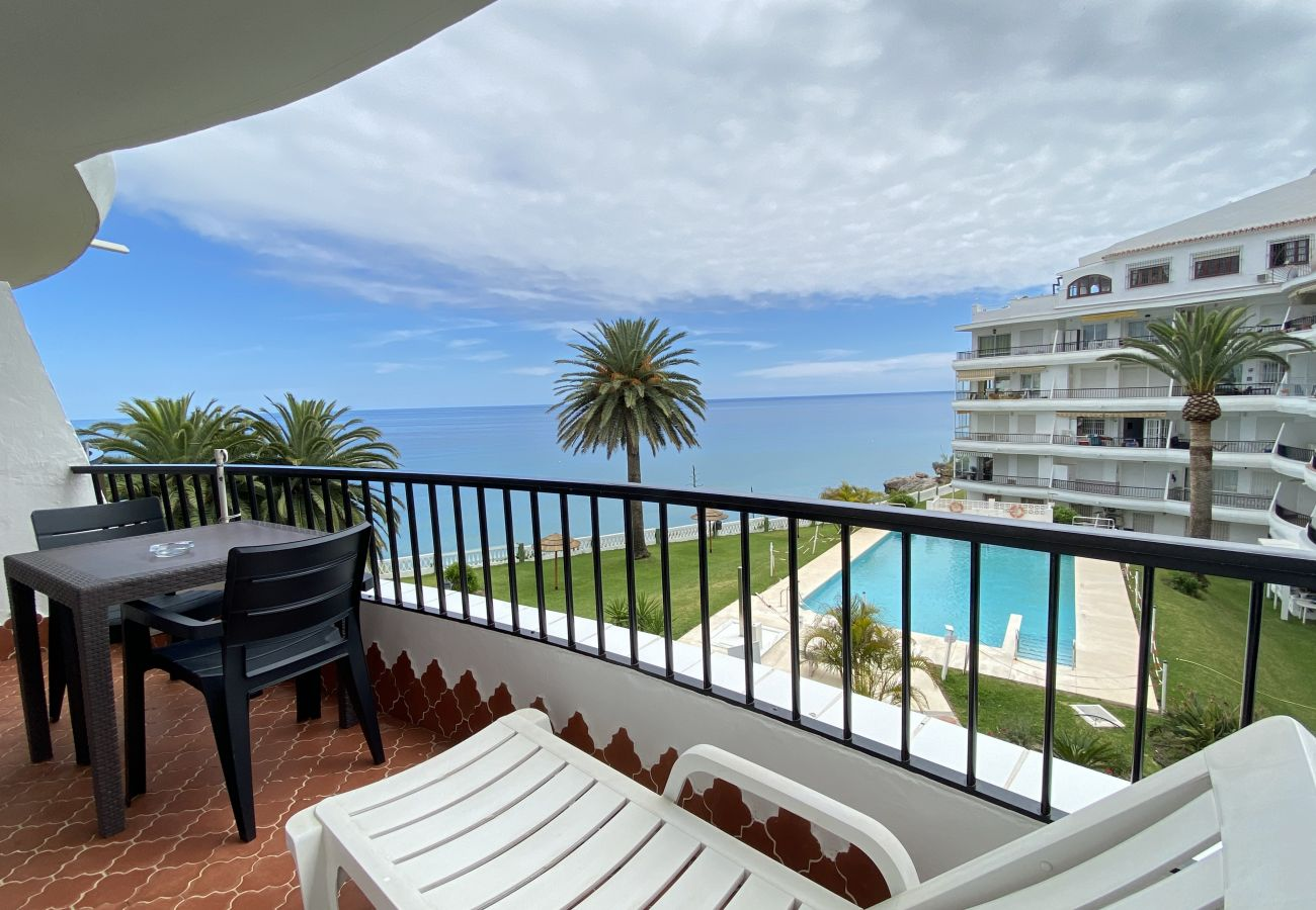 Apartment in Nerja - Apartment for 4 people to50 mbeach