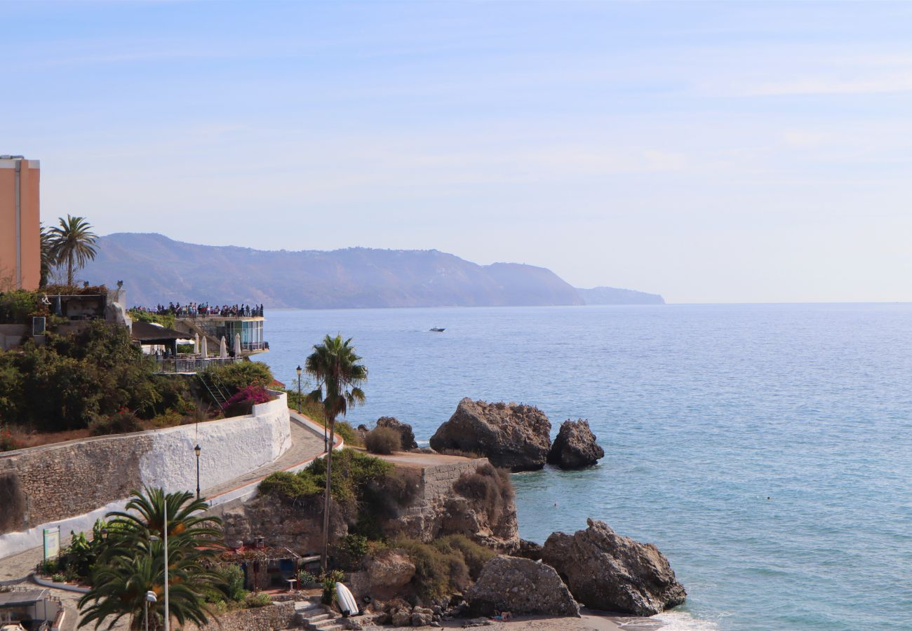 Apartment in Nerja - Apartment for 2 people to50 mbeach