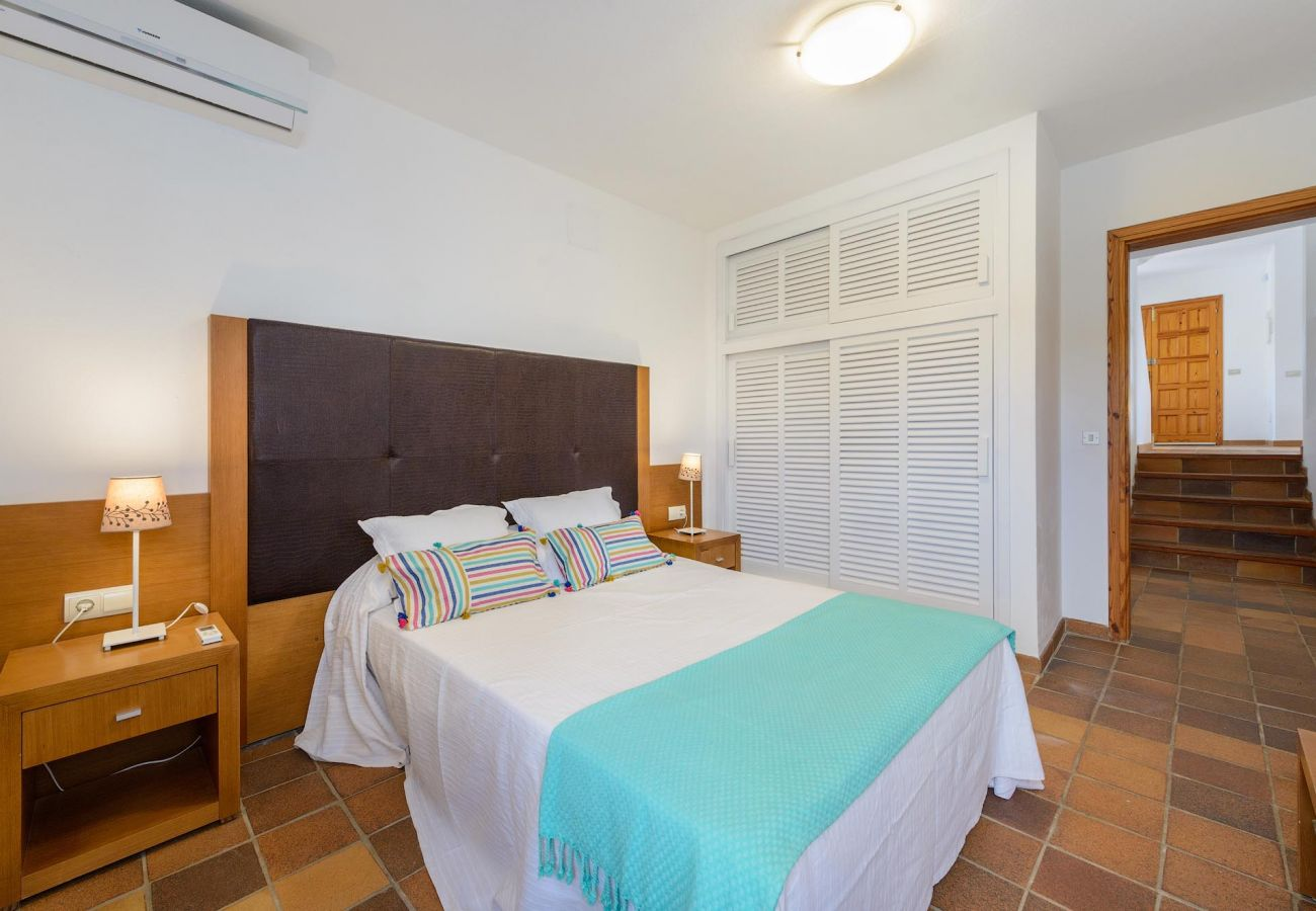 Villa in Ibiza / Eivissa - Villa of 4 bedrooms to1 kmbeach