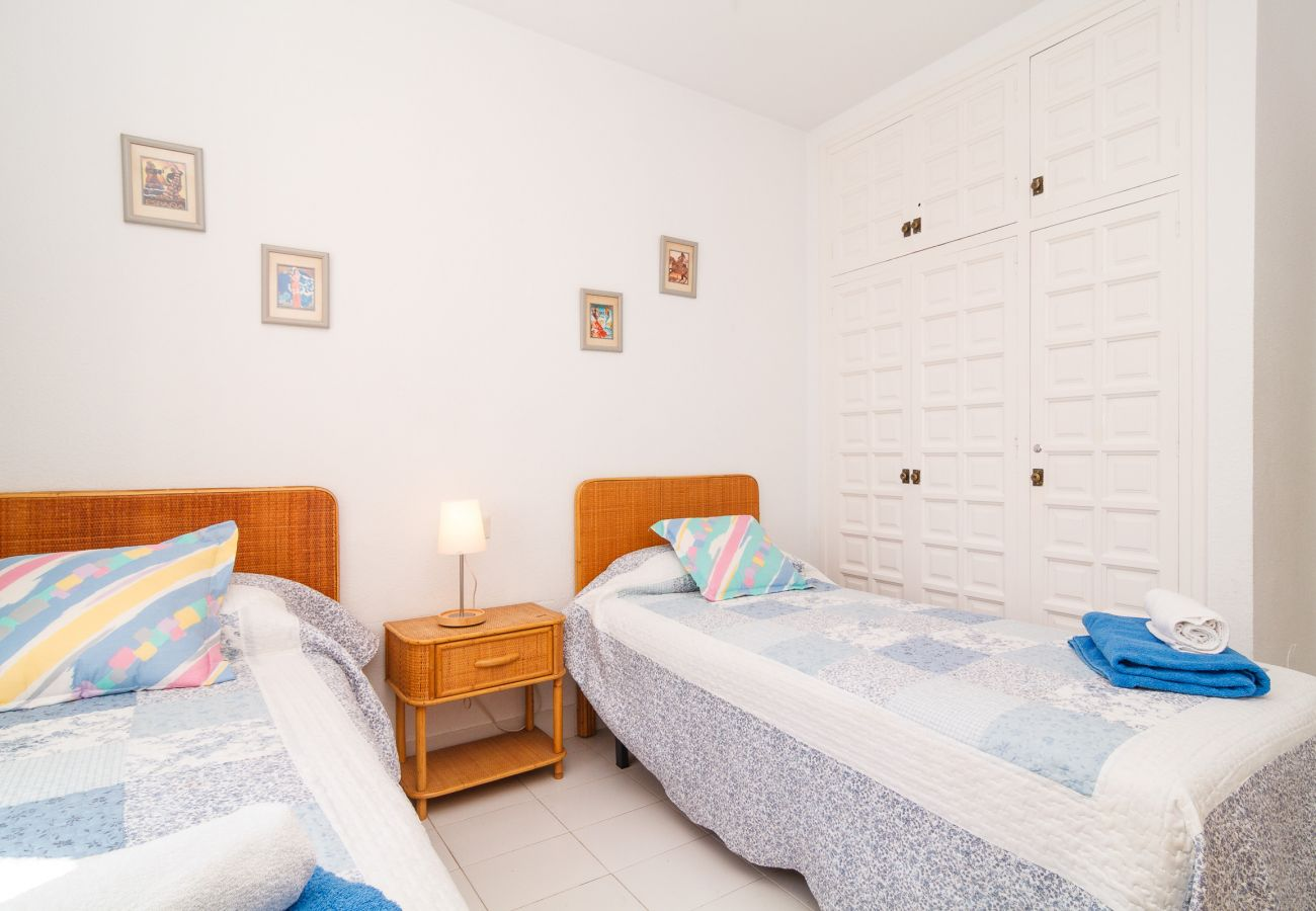 Villa in Nerja - Villa with swimming pool to600 mbeach