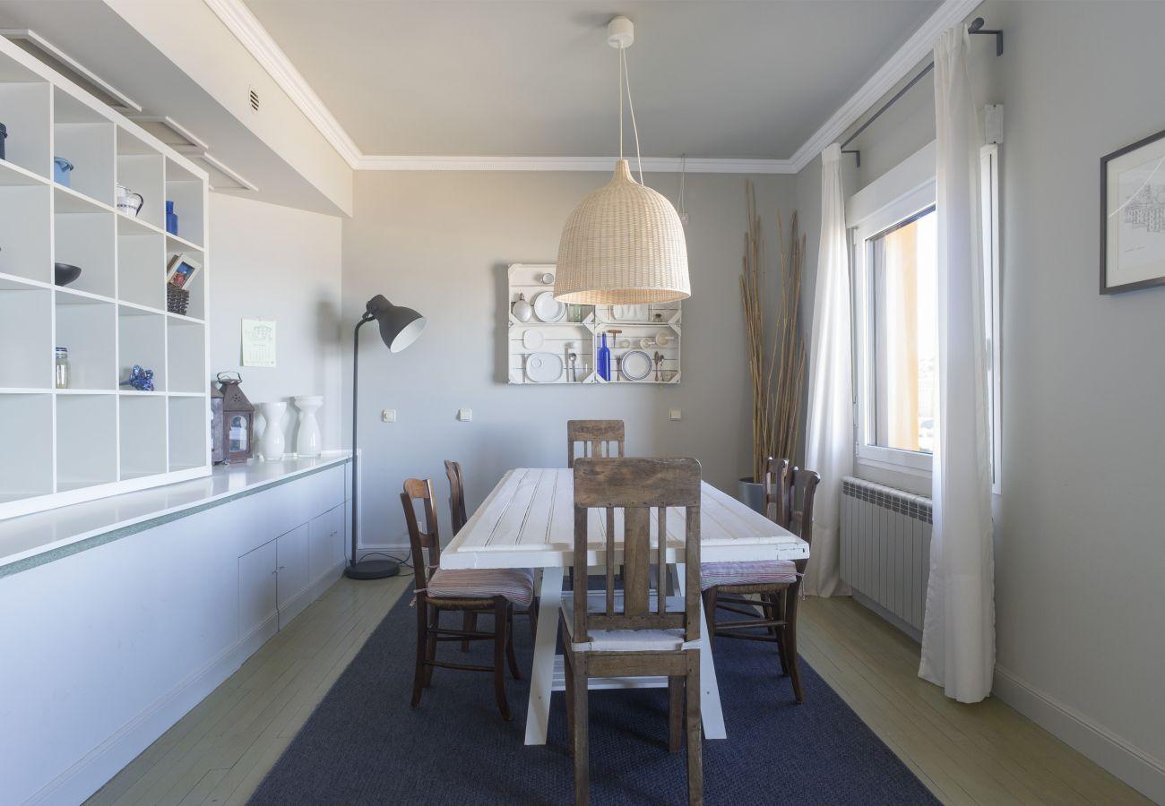Apartment in San Sebastián - Apartment with parking to50 mbeach